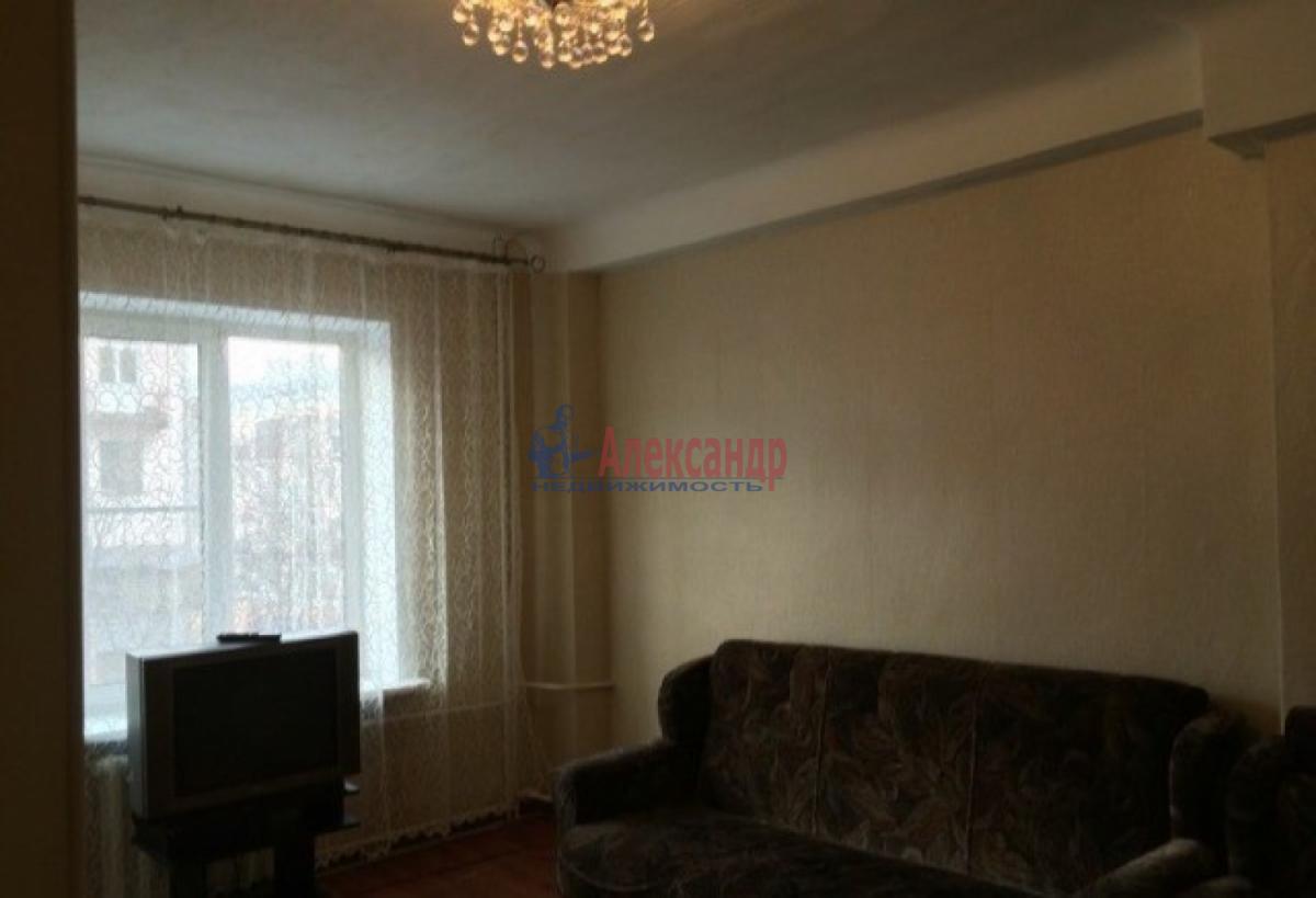 Комната в 3-комнатной квартире (60м2) в аренду по адресу Славы пр., 7— фото 1 из 4