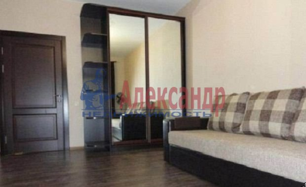 2-комнатная квартира (61м2) в аренду по адресу Кустодиева ул., 19— фото 4 из 6