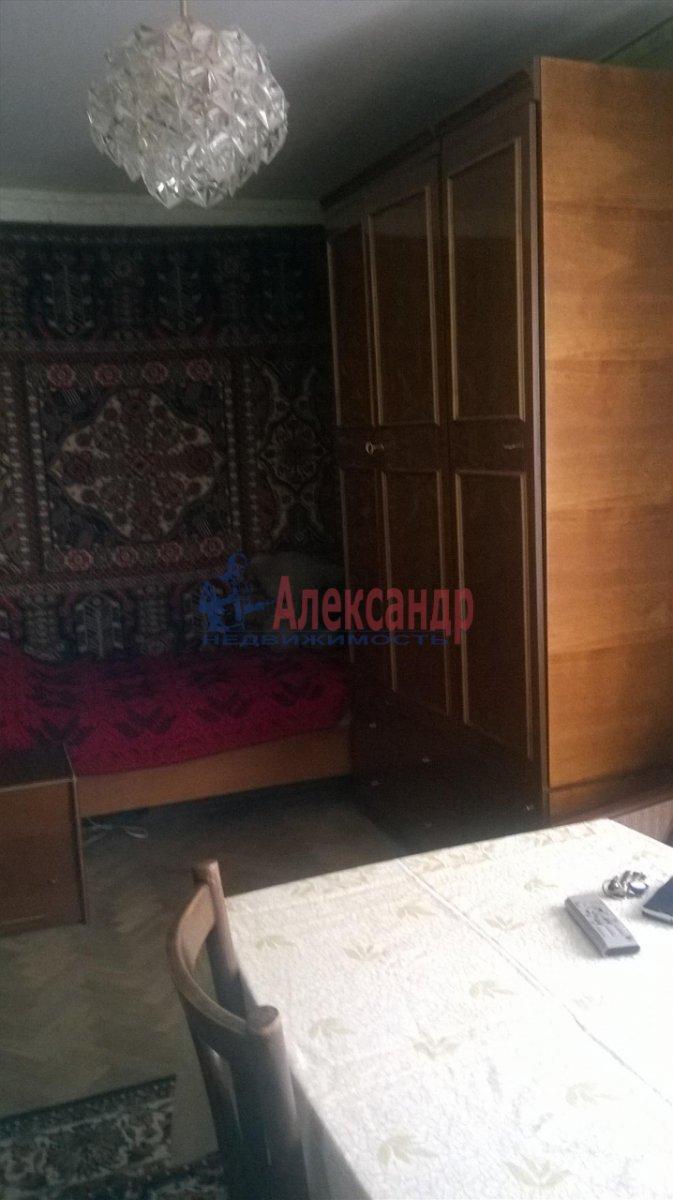 1-комнатная квартира (33м2) в аренду по адресу Шаумяна пр.— фото 2 из 5