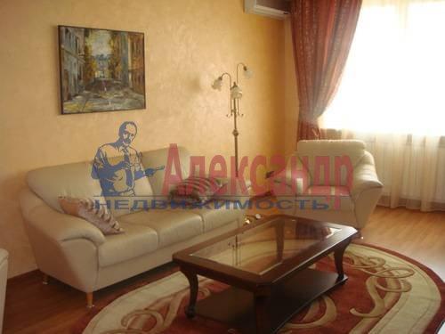 2-комнатная квартира (65м2) в аренду по адресу Ленсовета ул., 88— фото 4 из 13