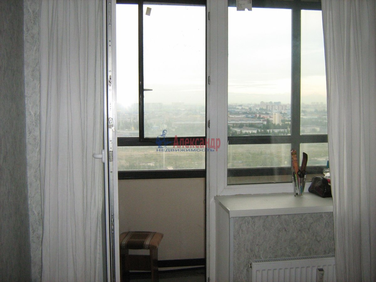 1-комнатная квартира (40м2) в аренду по адресу Парголово пос., Федора Абрамова ул., 8— фото 3 из 7