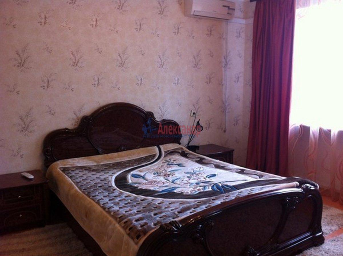 1-комнатная квартира (45м2) в аренду по адресу Колокольная ул.— фото 2 из 3