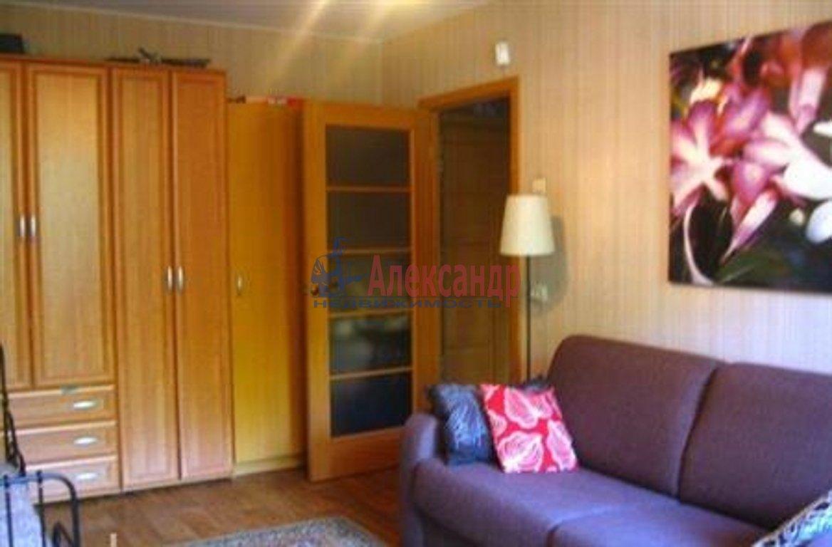 2-комнатная квартира (43м2) в аренду по адресу Кузнецова пр., 26— фото 1 из 3