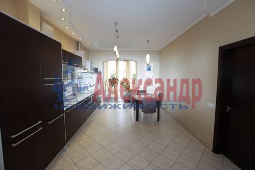 3-комнатная квартира (92м2) в аренду по адресу Бутлерова ул., 40— фото 1 из 8