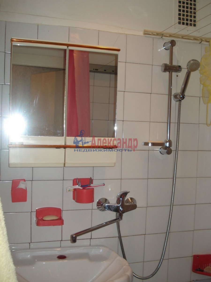 1-комнатная квартира (34м2) в аренду по адресу Крыленко ул., 43— фото 14 из 18