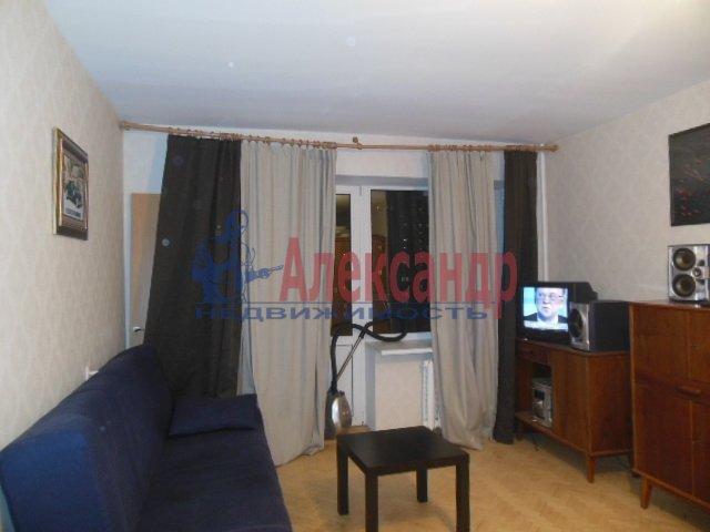1-комнатная квартира (41м2) в аренду по адресу Димитрова ул., 2— фото 2 из 4