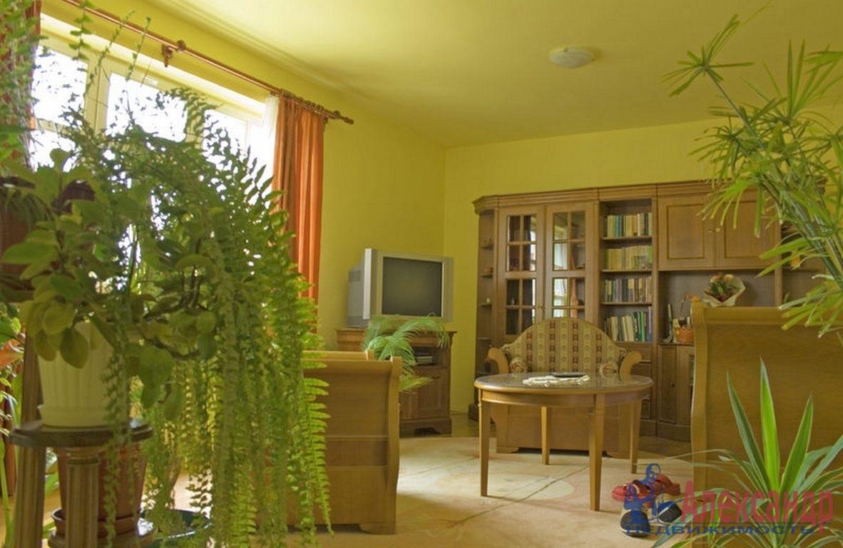 3-комнатная квартира (78м2) в аренду по адресу Авиационная ул., 22— фото 2 из 4