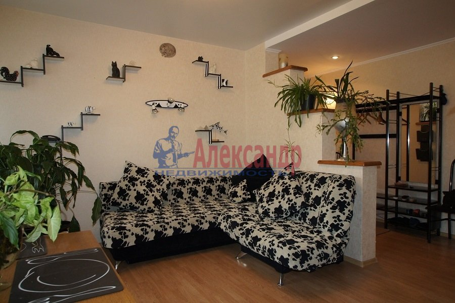 2-комнатная квартира (70м2) в аренду по адресу Лиговский пр., 212— фото 2 из 4