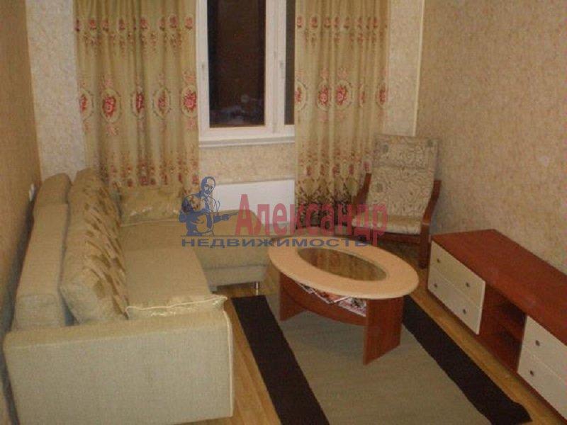 2-комнатная квартира (50м2) в аренду по адресу Ленсовета ул., 28— фото 3 из 5