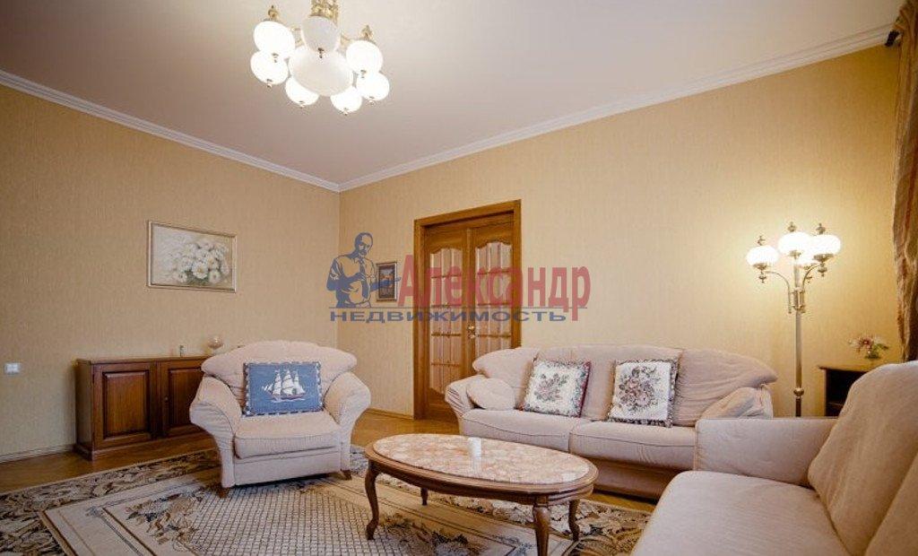 2-комнатная квартира (65м2) в аренду по адресу Садовая ул., 32— фото 1 из 4