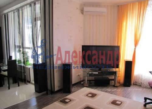 1-комнатная квартира (53м2) в аренду по адресу Новочеркасский пр., 33— фото 1 из 5