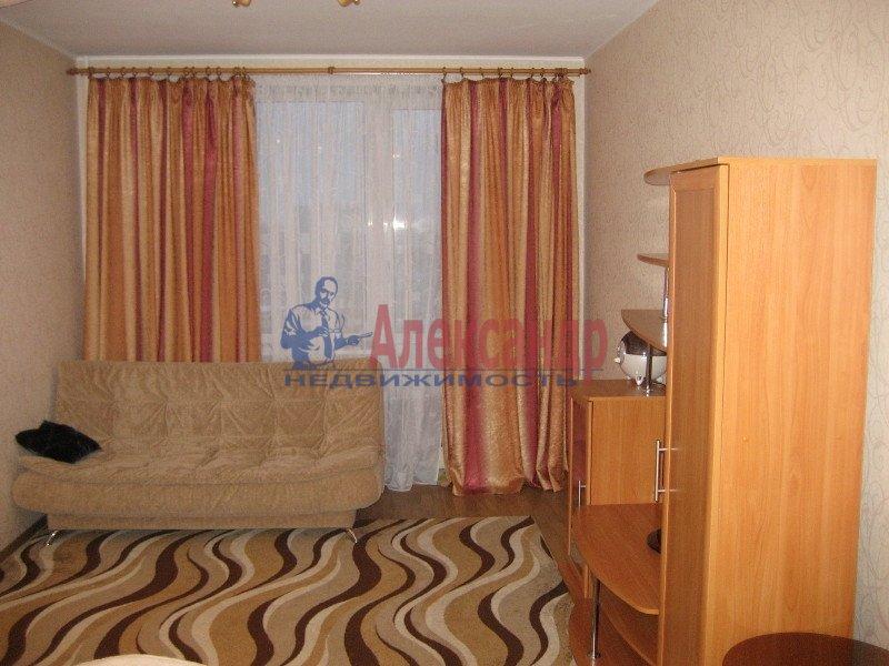 1-комнатная квартира (35м2) в аренду по адресу Ленсовета ул., 88— фото 4 из 8