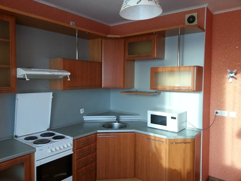 1-комнатная квартира (45м2) в аренду по адресу Ткачей ул., 5— фото 4 из 8