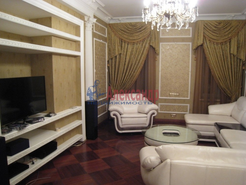 4-комнатная квартира (150м2) в аренду по адресу Миллионная ул., 17— фото 1 из 9