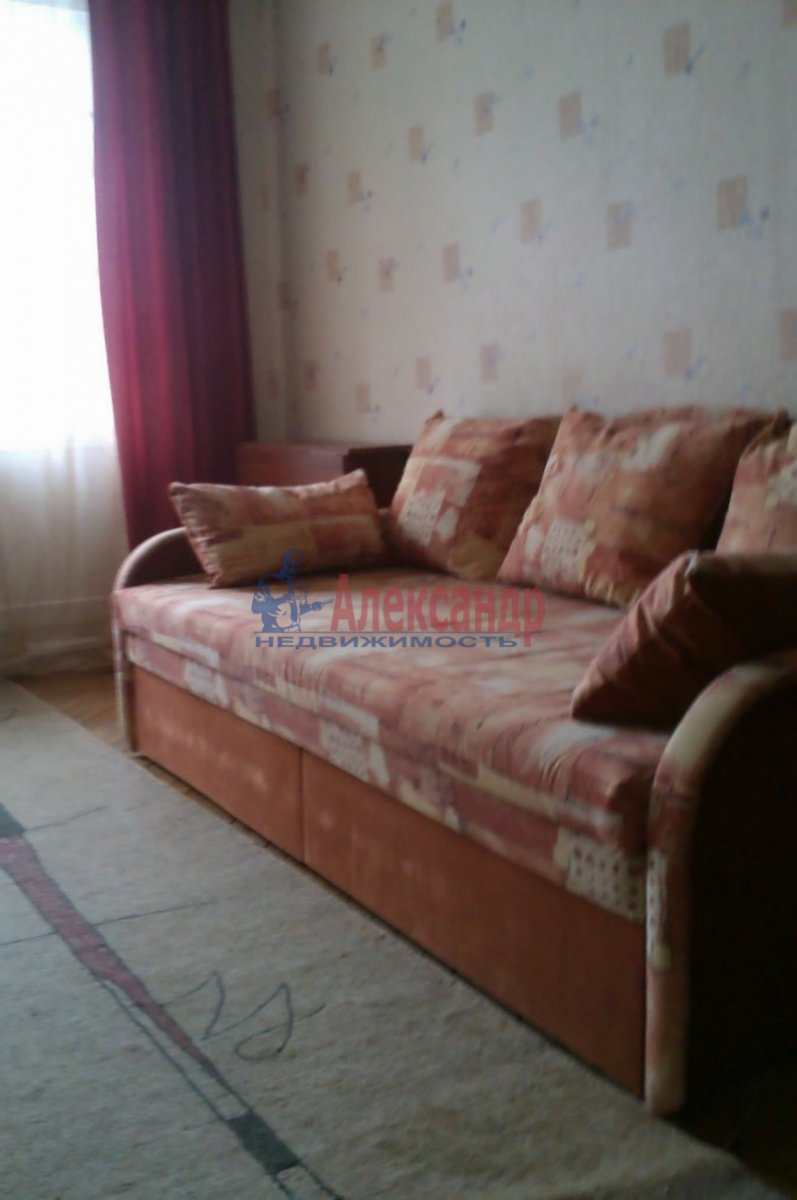 2-комнатная квартира (58м2) в аренду по адресу Пушкин г., Кадетский бул.— фото 2 из 4