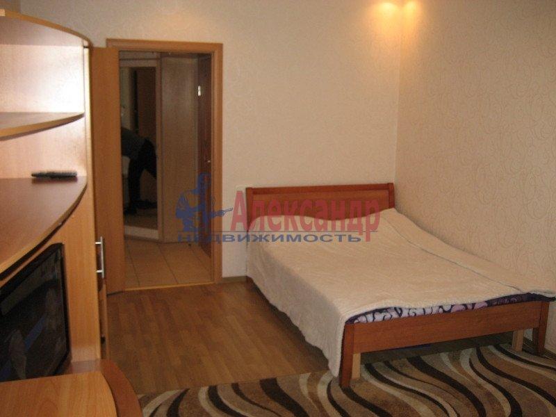 1-комнатная квартира (35м2) в аренду по адресу Ленсовета ул., 88— фото 5 из 8