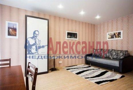 1-комнатная квартира (45м2) в аренду по адресу Беринга ул., 23— фото 2 из 5