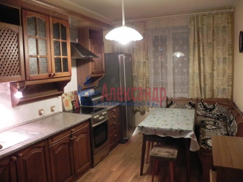 3-комнатная квартира (80м2) в аренду по адресу Звездная ул., 11— фото 8 из 17