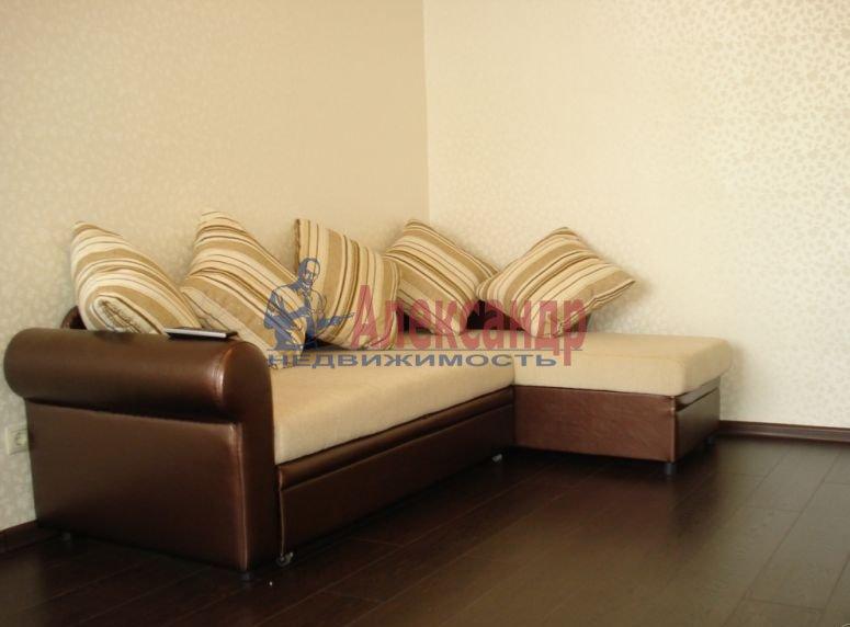 2-комнатная квартира (54м2) в аренду по адресу Байконурская ул., 19— фото 2 из 5