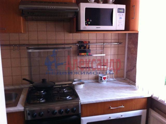 2-комнатная квартира (50м2) в аренду по адресу Передовиков ул., 11— фото 8 из 9