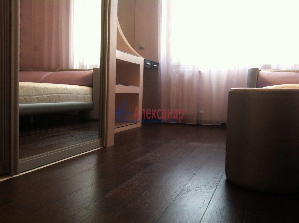 2-комнатная квартира (50м2) в аренду по адресу Науки пр., 17— фото 8 из 11