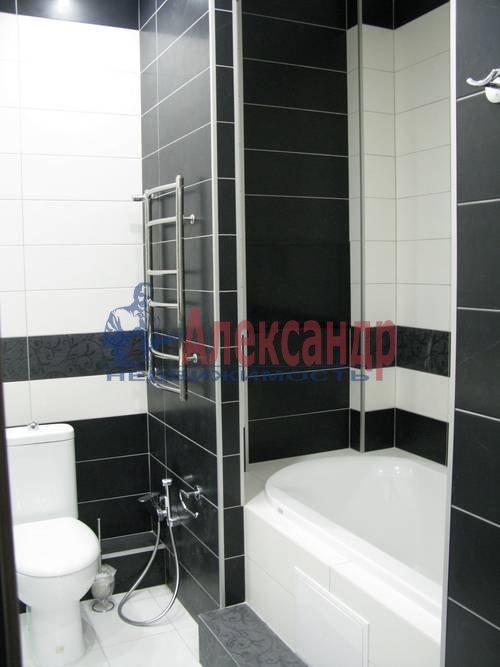 2-комнатная квартира (75м2) в аренду по адресу Новгородская ул., 23— фото 10 из 16