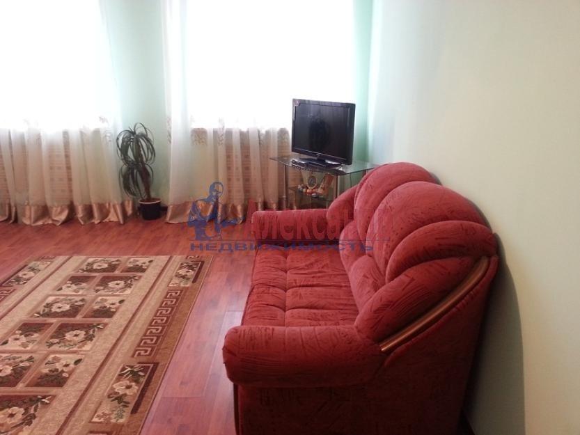 1-комнатная квартира (33м2) в аренду по адресу Московский пр., 172— фото 1 из 3