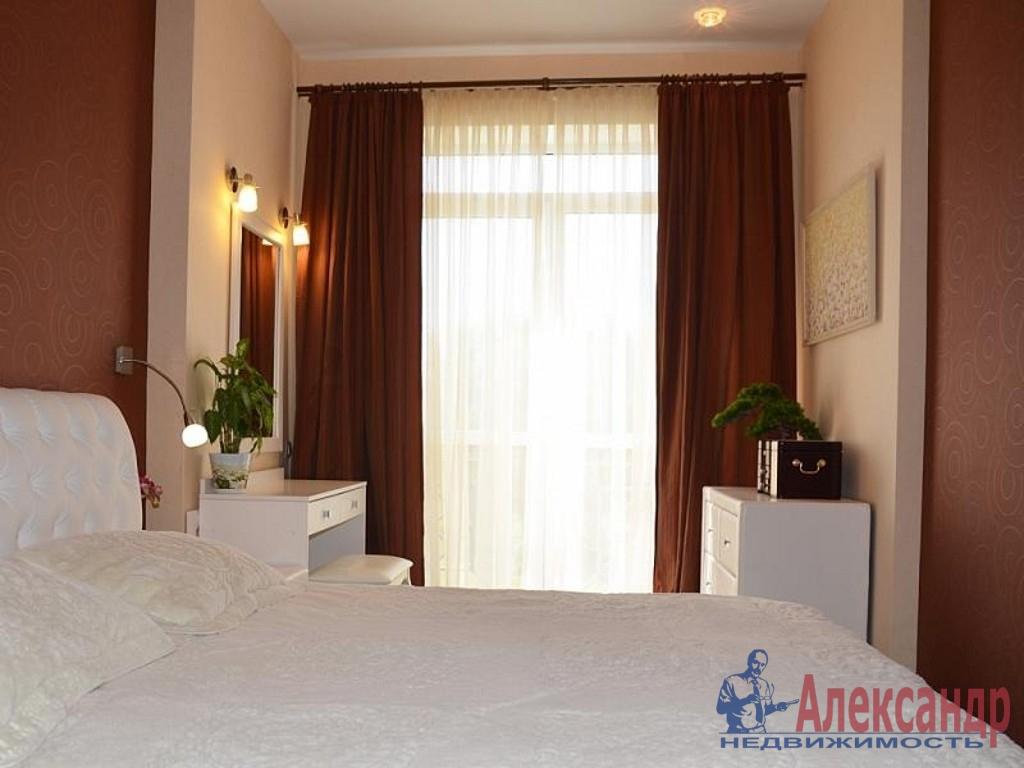 2-комнатная квартира (65м2) в аренду по адресу Кораблестроителей ул., 32— фото 1 из 3