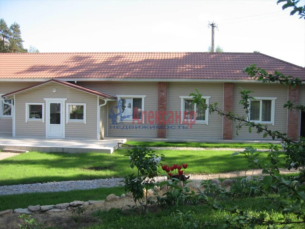 Дом (150м2) в аренду — фото 1 из 4