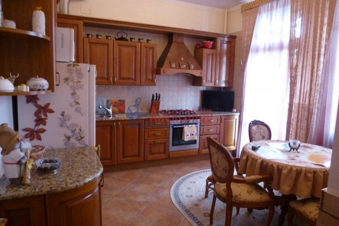 2-комнатная квартира (85м2) в аренду по адресу Манежный пер., 11— фото 2 из 3