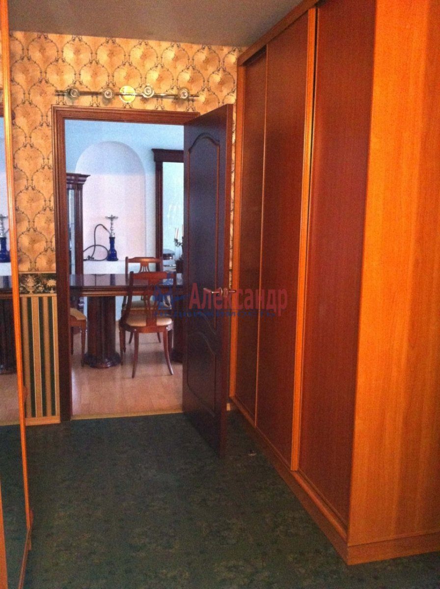 3-комнатная квартира (105м2) в аренду по адресу Малая Конюшенная ул., 5— фото 4 из 5