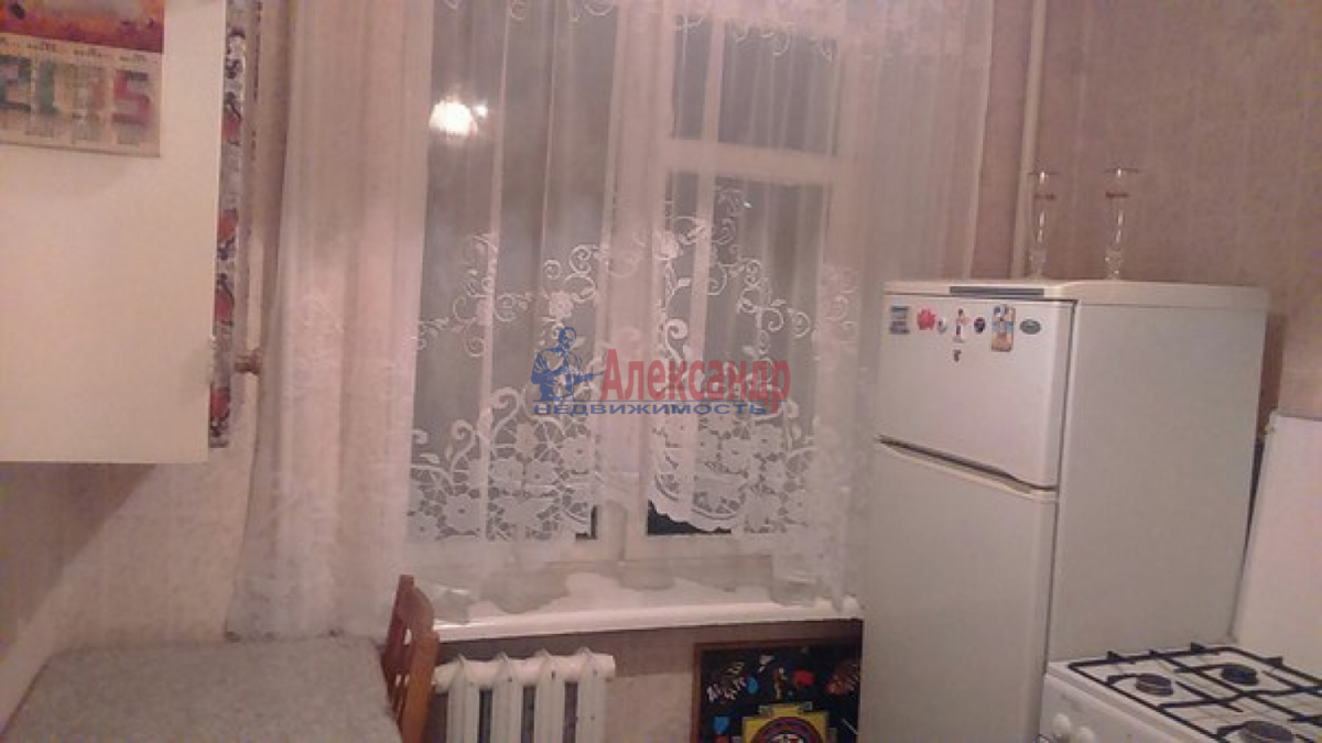 2-комнатная квартира (48м2) в аренду по адресу Горелово пос.— фото 2 из 5
