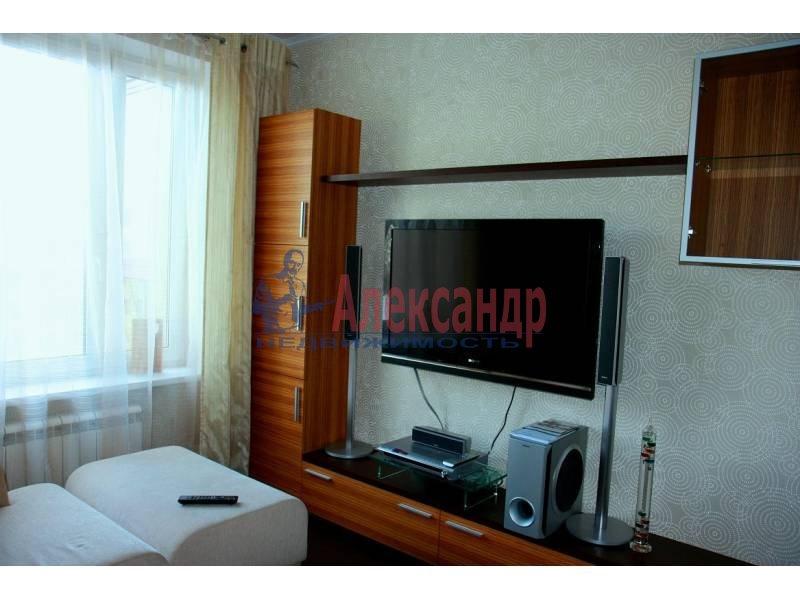 1-комнатная квартира (45м2) в аренду по адресу Краснопутиловская ул., 125— фото 1 из 12