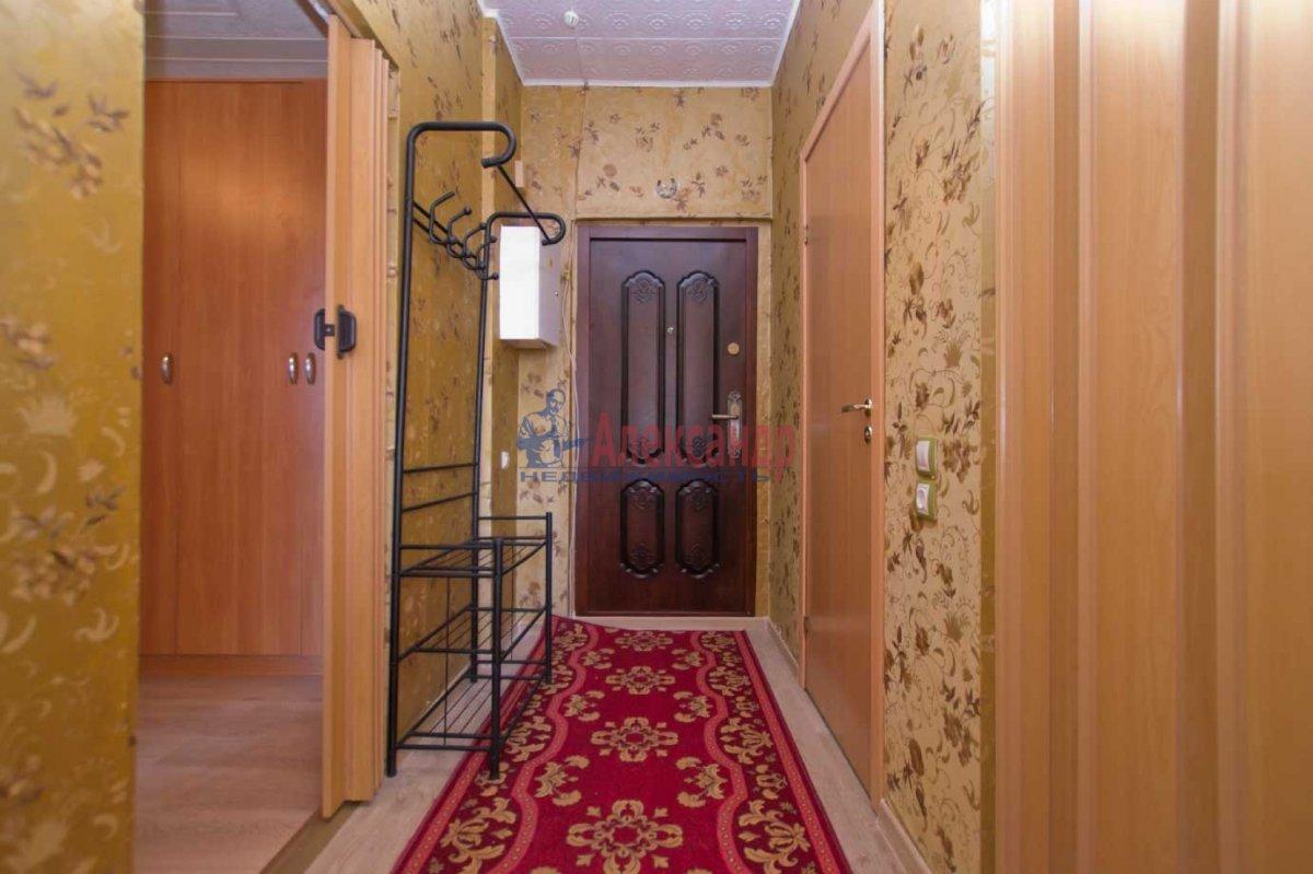 1-комнатная квартира (40м2) в аренду по адресу Кораблестроителей ул., 32— фото 3 из 6