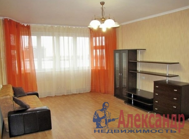 2-комнатная квартира (67м2) в аренду по адресу Пулковская ул., 6— фото 1 из 5