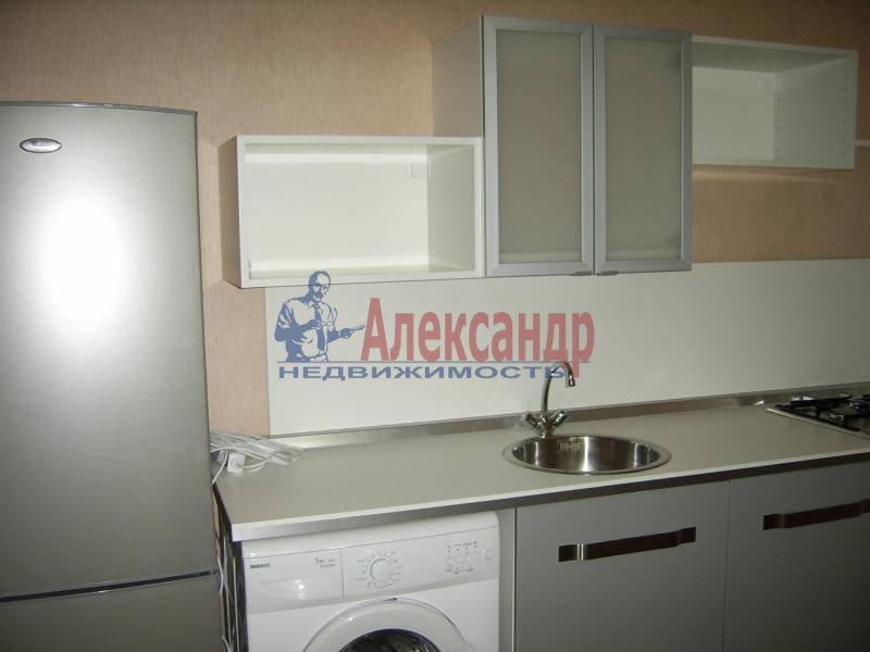 2-комнатная квартира (54м2) в аренду по адресу Дрезденская ул.— фото 3 из 11