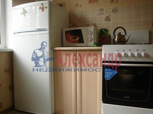 1-комнатная квартира (34м2) в аренду по адресу Бухарестская ул., 72— фото 3 из 4