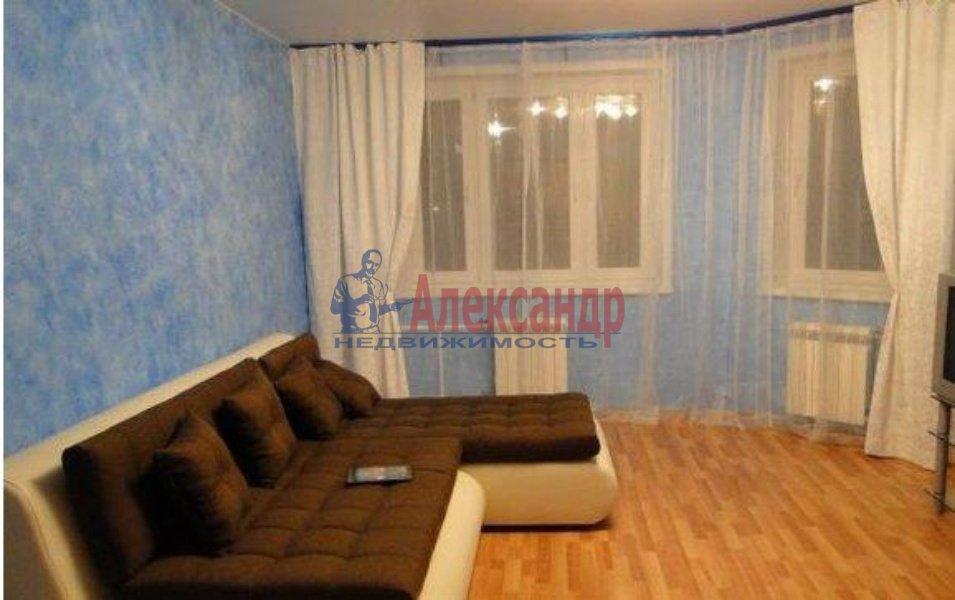 1-комнатная квартира (40м2) в аренду по адресу Оптиков ул., 38— фото 2 из 3