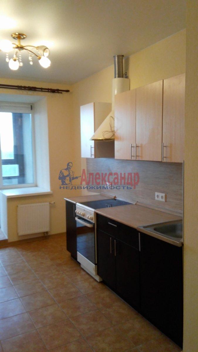 1-комнатная квартира (40м2) в аренду по адресу Есенина ул., 1— фото 1 из 5