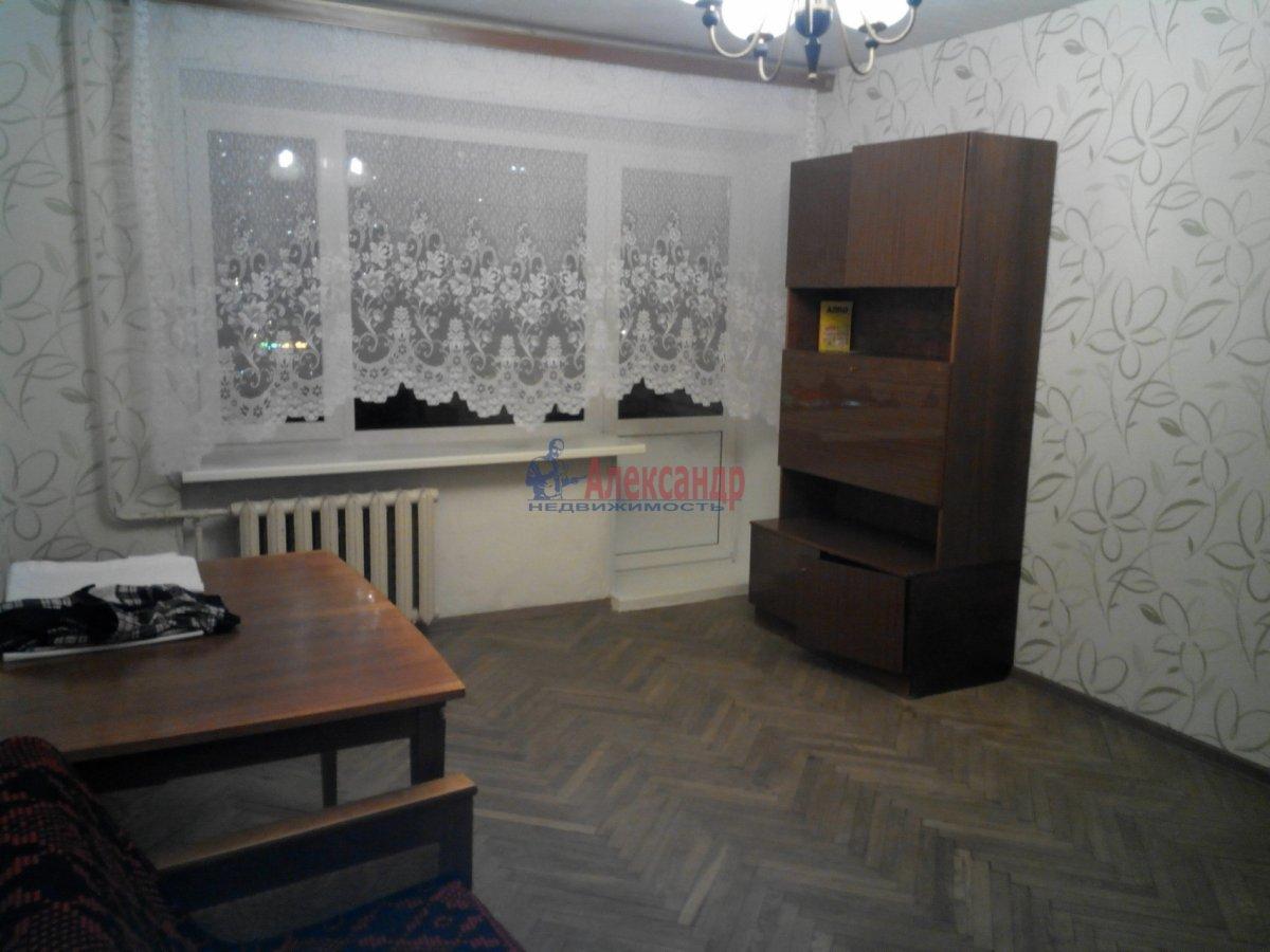 1-комнатная квартира (35м2) в аренду по адресу Большой пр., 10— фото 1 из 10