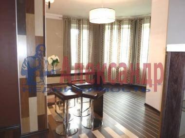 2-комнатная квартира (54м2) в аренду по адресу Новочеркасский пр., 37— фото 1 из 4