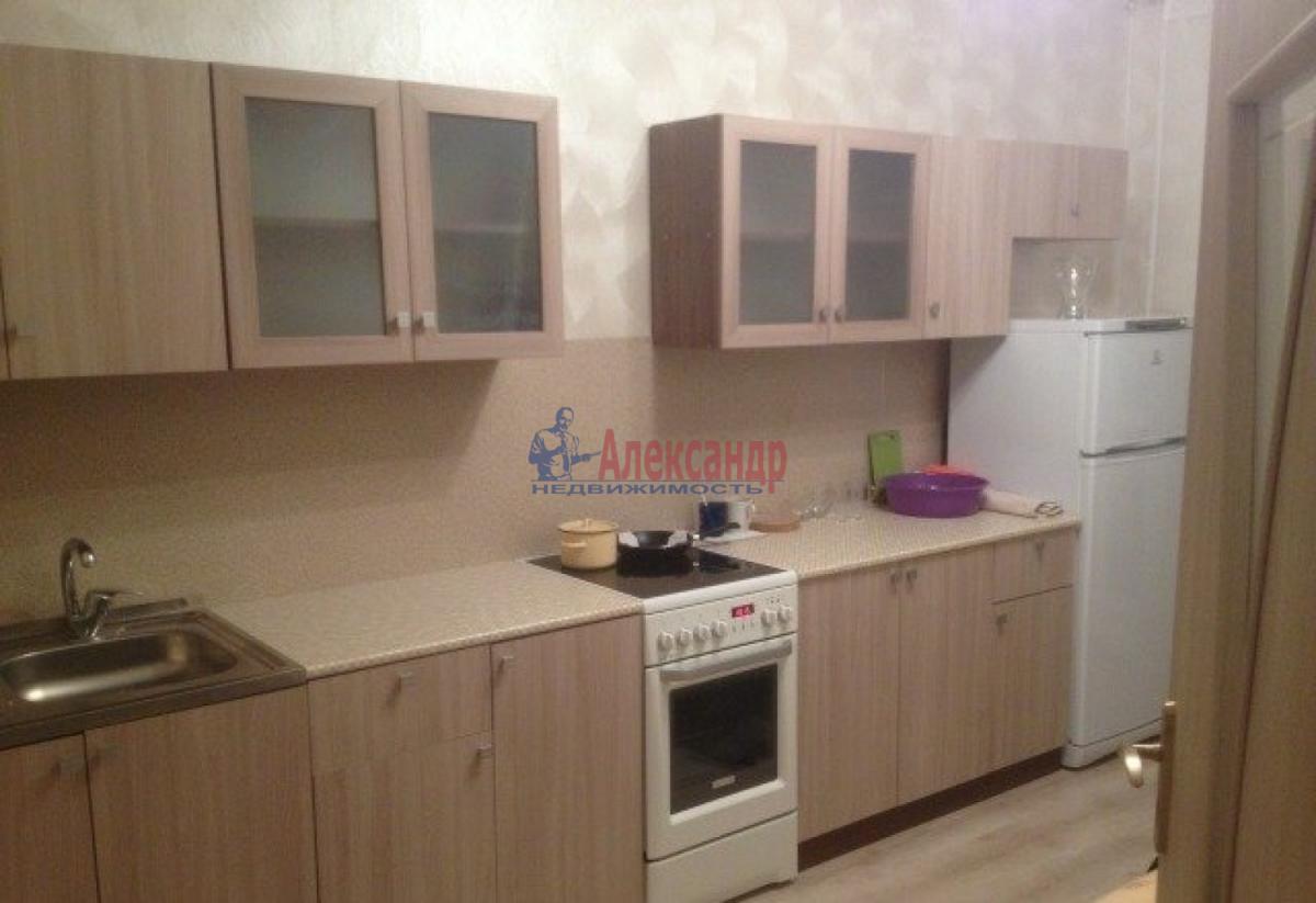 1-комнатная квартира (37м2) в аренду по адресу Славы пр., 21— фото 3 из 5