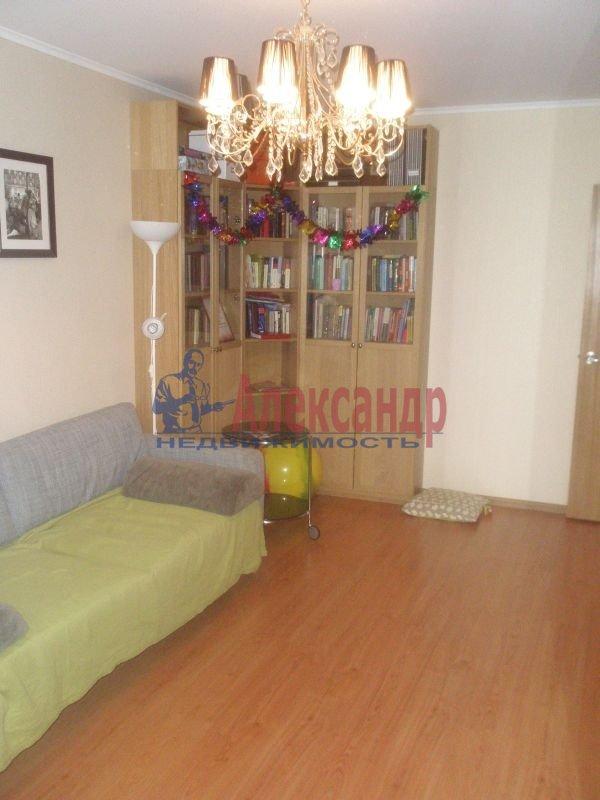 1-комнатная квартира (40м2) в аренду по адресу Алтайская ул., 11— фото 1 из 7