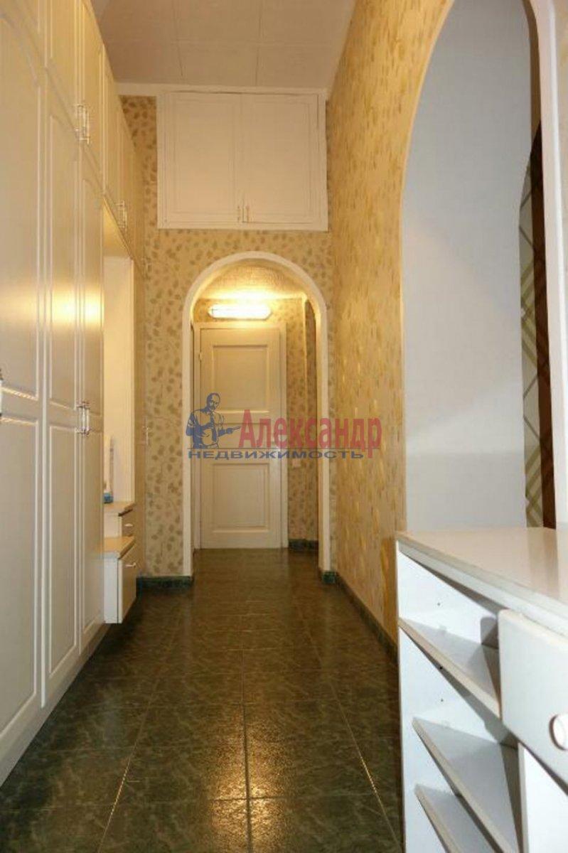 2-комнатная квартира (74м2) в аренду по адресу Кронверкский пр., 23— фото 8 из 9