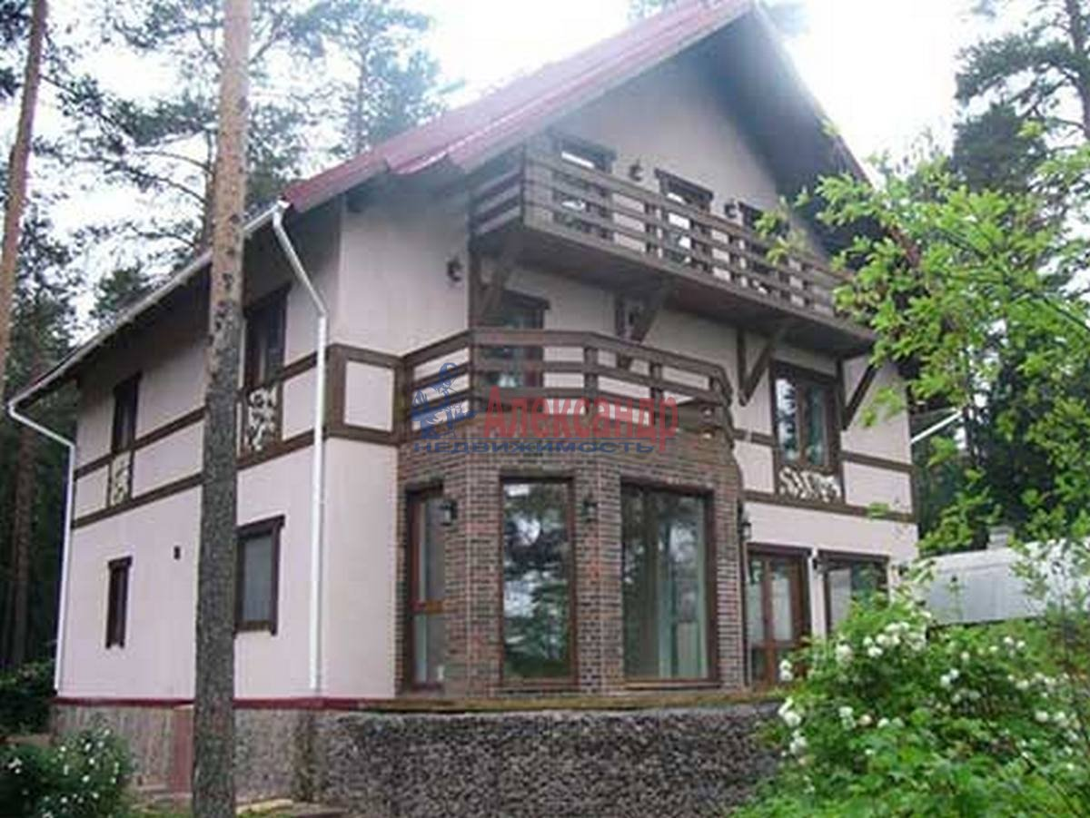 Дом (300м2) в аренду — фото 1 из 3