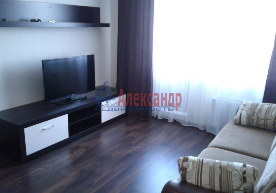 Комната в 3-комнатной квартире (76м2) в аренду по адресу Бухарестская ул., 23— фото 2 из 5