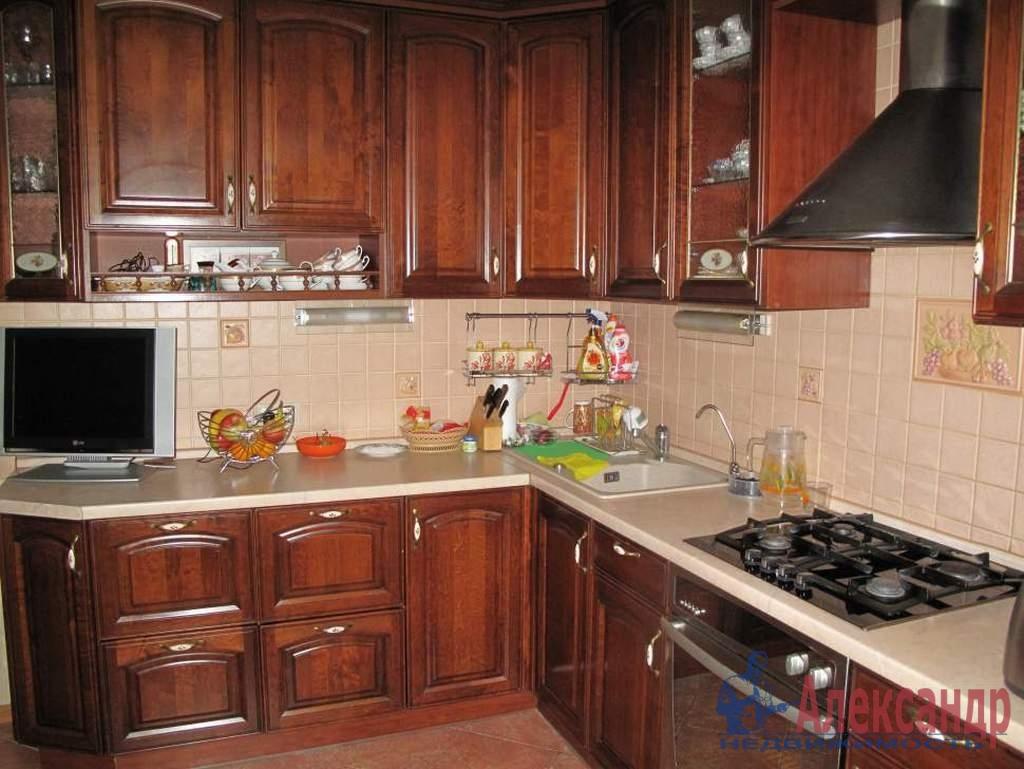 3-комнатная квартира (70м2) в аренду по адресу Авиационная ул., 11— фото 3 из 4