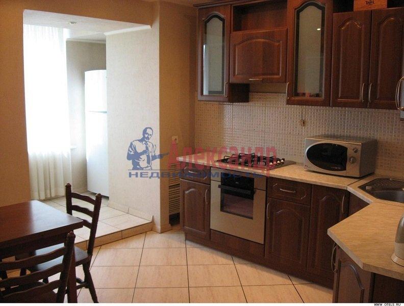 3-комнатная квартира (100м2) в аренду по адресу Рашетова ул., 14— фото 4 из 6