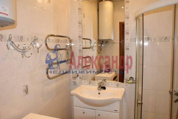 1-комнатная квартира (40м2) в аренду по адресу Коломяжский пр., 20— фото 1 из 3