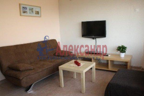 1-комнатная квартира (42м2) в аренду по адресу Науки пр., 19— фото 2 из 3
